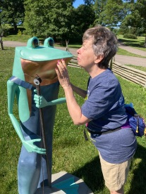Mary Kissing Frog
